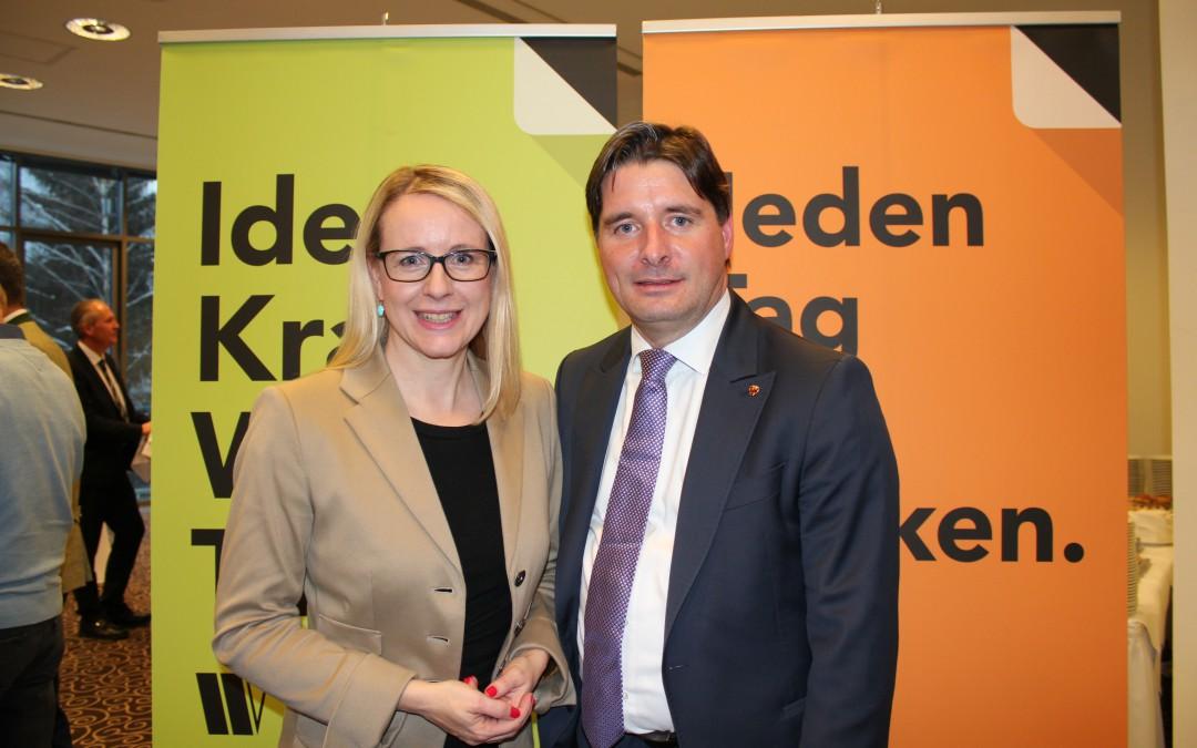 Wirtschaftsbund-Bezirksobmann Peter Seiwald zeigt sich erfreut dass die St. Johannerin Margarete Schramböck wieder als Ministerin ihre Stimme für die Wirtschaft erhebt.